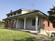Huis te koop in  MOMBERCELLI (AT)